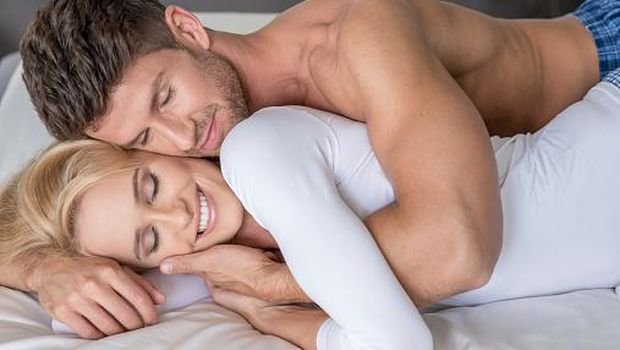 5 Posisi Bercinta untuk Wujudkan Fantasi 'Liar' Pasangan