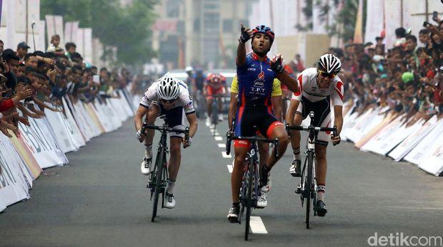 Tour de Singkarak kini terus ditunggu-tunggu wisatawan dan juga atlet yg tidak sabar buat berlomba