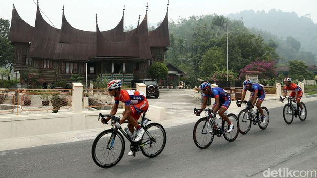 Tour de Singkarak pertama kali digelar pada tahun 2009