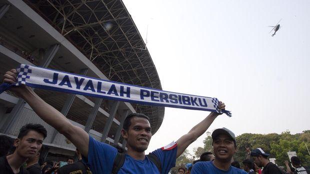 Bagi orang kelahiran Bandung mencintai Persib adalah suatu kebanggan..