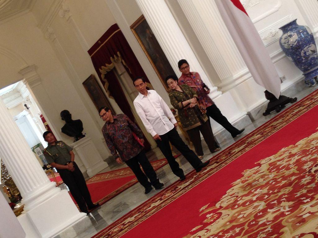 Bertemu Megawati 2 Jam, Jokowi: Kami Bicara Ekonomi dan Bencana Asap