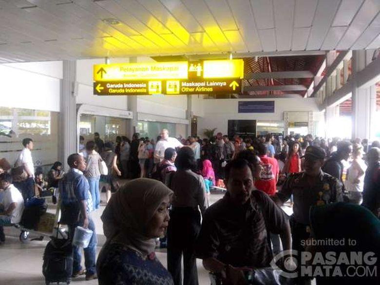 Bandara Ditutup karena Gunung Rinjani Meletus, 692