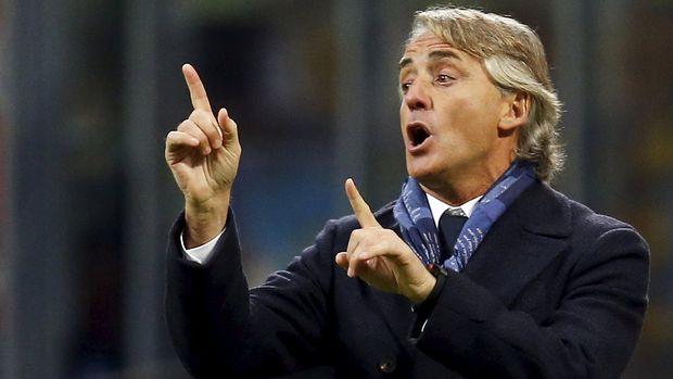 Roberto Mancini berminat melatih PSG yang bertabur bintang.