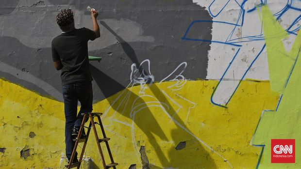 Seni grafiti yang memanfaatkan ruang publik membuatnya mudah dinikmati masyarakat.