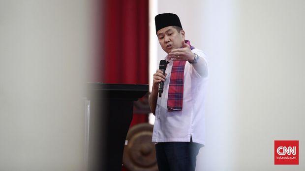 'Hary Tanoe Tersungkur di depan Jokowi'