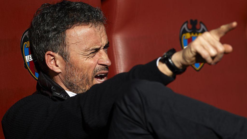 Tak Masuk Tiga Besar Pelatih Terbaik La Liga 2015-16, Luis Enrique Bercanda