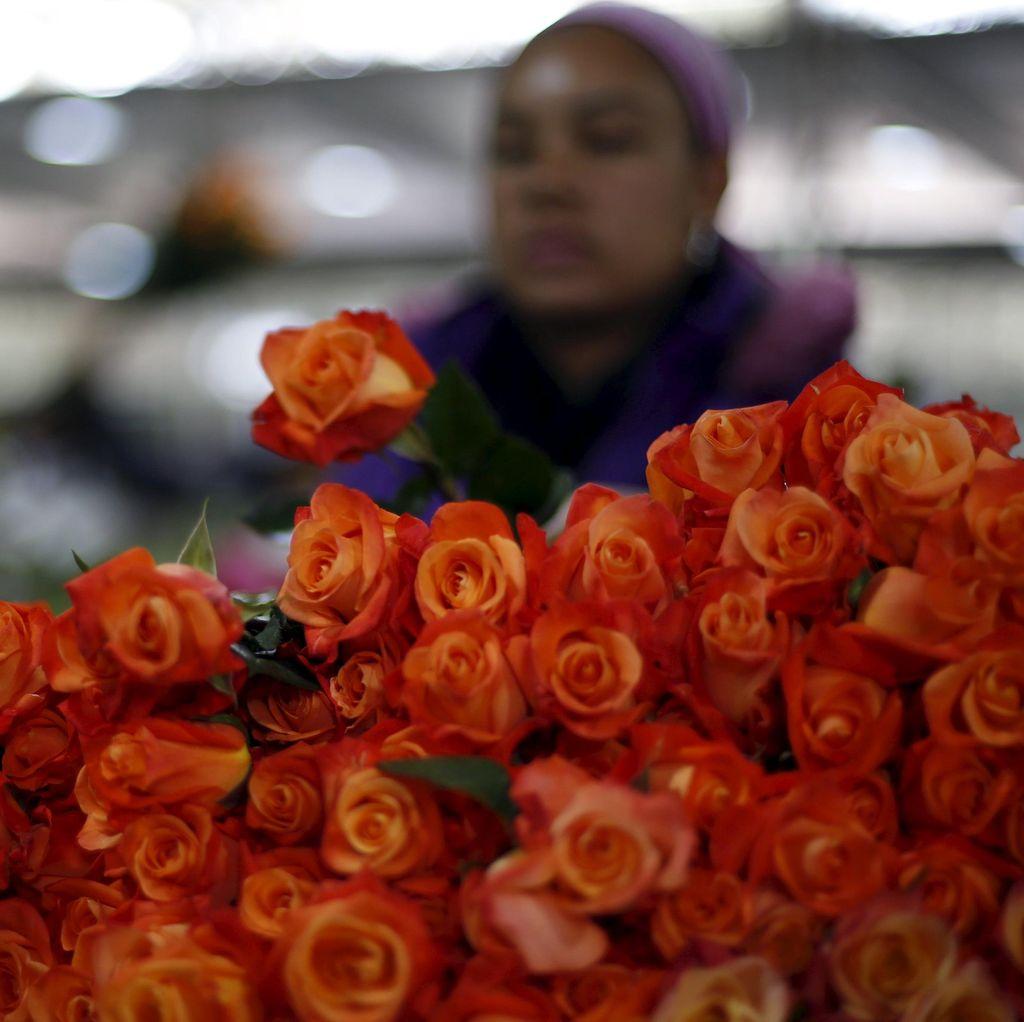 Materialisme dan Hedonisme Dalam Hari Valentine