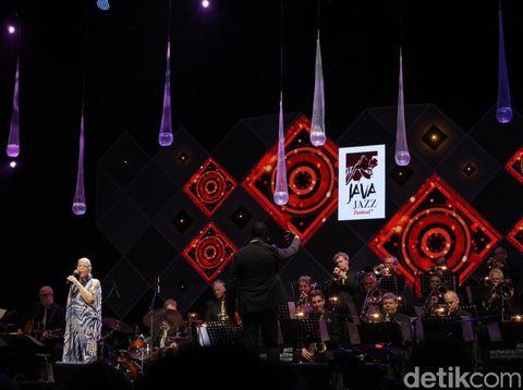 d559bab4 bb85 4894 b654 7aa14caeeefb 43 » Pesona Patti Austin Di Java Jazz 2016 Hari Ketiga