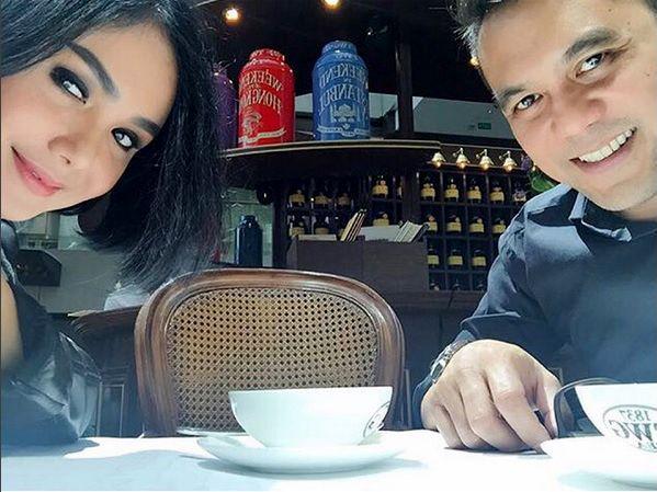 e704351a 28c5 4d6e b45d 5fd32319a4c5 » Yuni Shara Didukung Sahabat Nikah Dengan Chiko Hakim