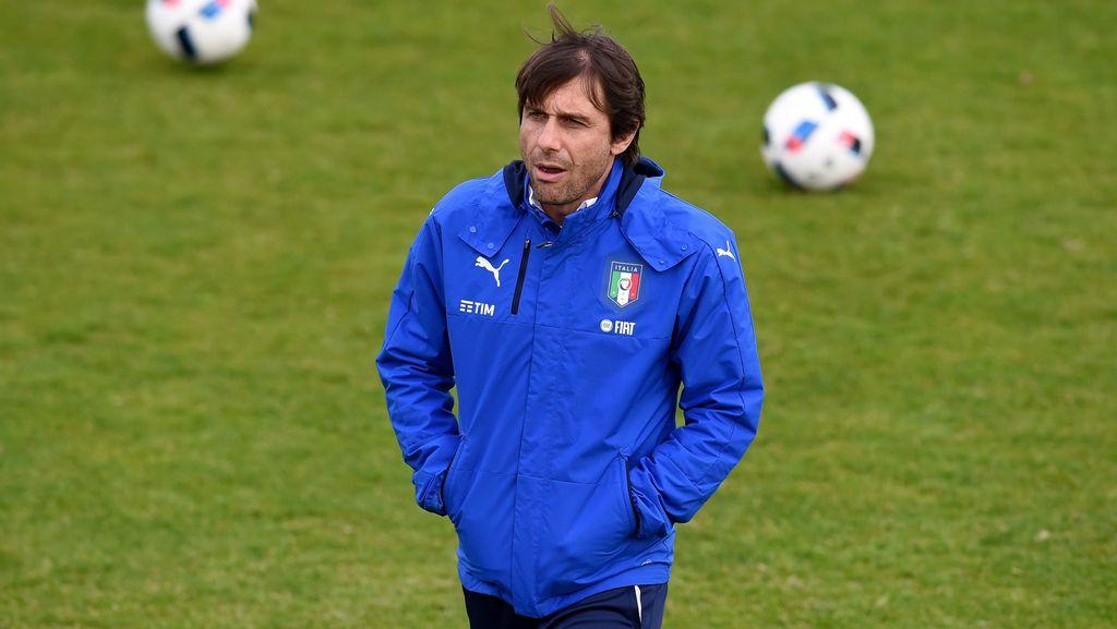 Conte Bantah Tak Lagi Serius Tangani Timnas Italia