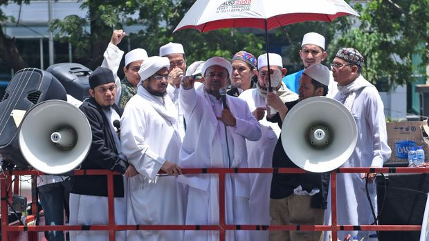 Rizieq Shihab, Pentolan FPI yang 'Kecemplung Gagasan'