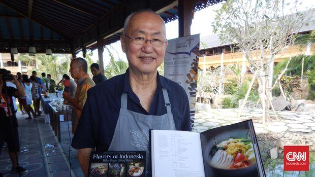 William Wongso, pegiat kuliner, yang beride mengadakan panggung kuliner, aksi juru masak dari berbagai daerah, di Manisan, Ubud.