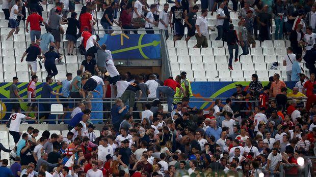 Jika Suporternya Rusuh Lagi, Inggris Dan Rusia Bisa Saja Didiskualifikasi