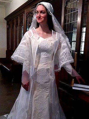 Foto Gaun gaun Pengantin Indah Ini Terbuat dari Tisu Toilet