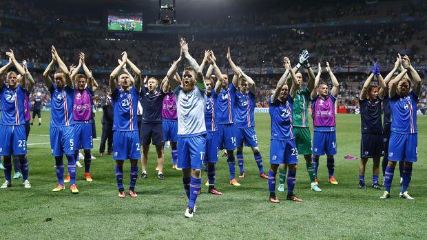 Timnas Islandia menjadi kontestan Piala Dunia yang pertama datang ke Indonesia pada 2018.