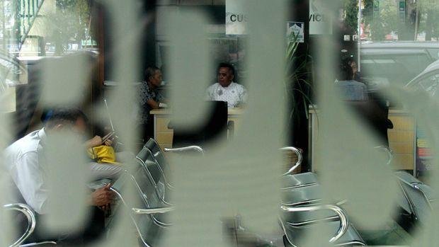 3 Tahun Jokowi: Marsinah dan Beban Berat BPJS (EMBARGO)
