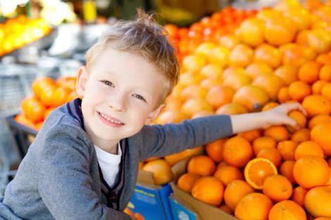 Hasil gambar untuk Cara Anak Suka Makan Buah Segar
