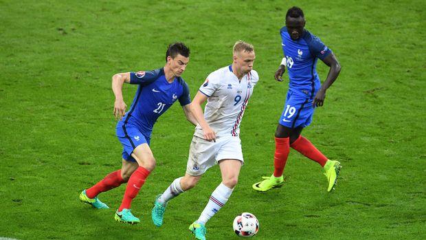 Kelemahan Prancis Ada Di Lini Belakang Pada Saat Bola Lambung
