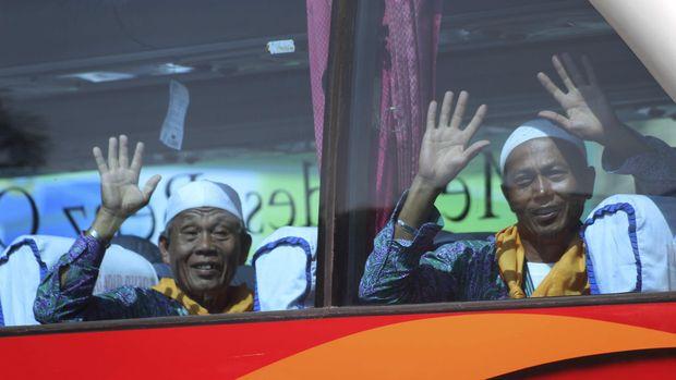 Bertamu ke Tanah Suci jadi mimpi sebagian besar Muslim di Indonesia, baik dengan cara umroh atau haji.