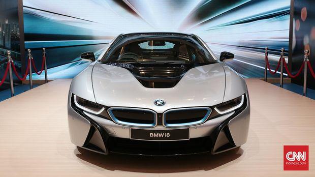 Untung Buntung Pasar Mobil Premium Dalam Negeri