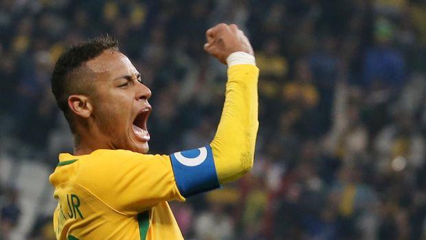 Publik Brasil tidak ingin Neymar berada di bawah bayang-bayang Lionel Messi.
