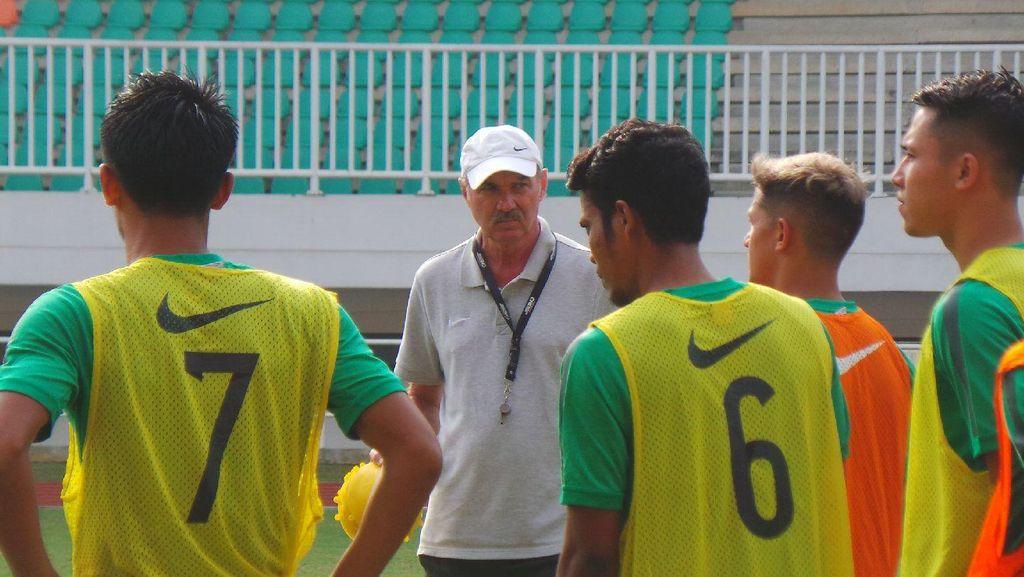 Pemusatan Latihan Timnas Lanjut di Karawaci, Riedl Panggil 27 Pemain