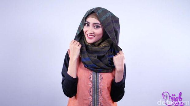 Tutorial Hijab Praktis Menutup Dada Hanya 3 Step