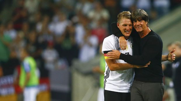 Laga Perpisahan Schweinsteiger Di iringi Dengan Isak Tangis