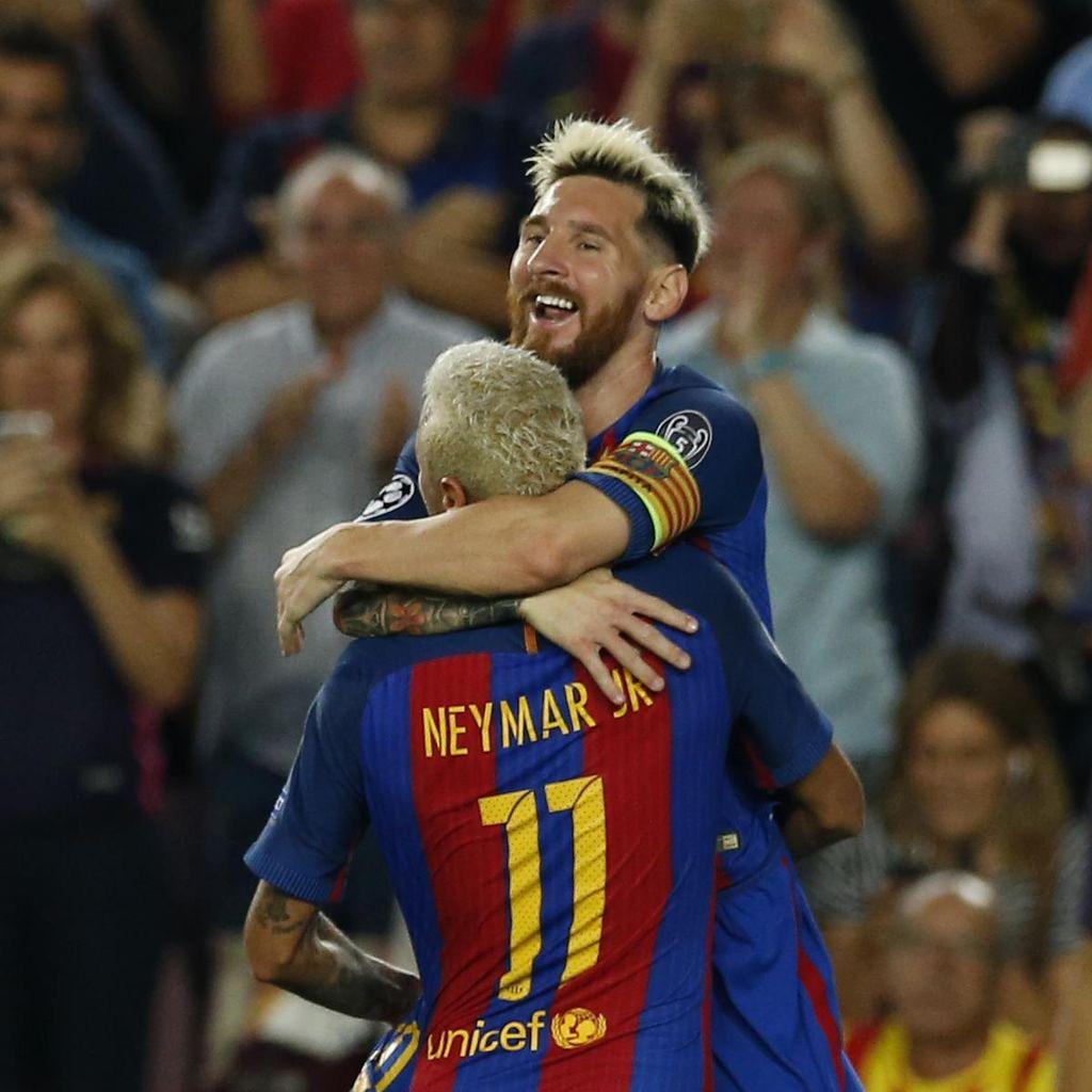 Neymar Main di Barca karena Messi