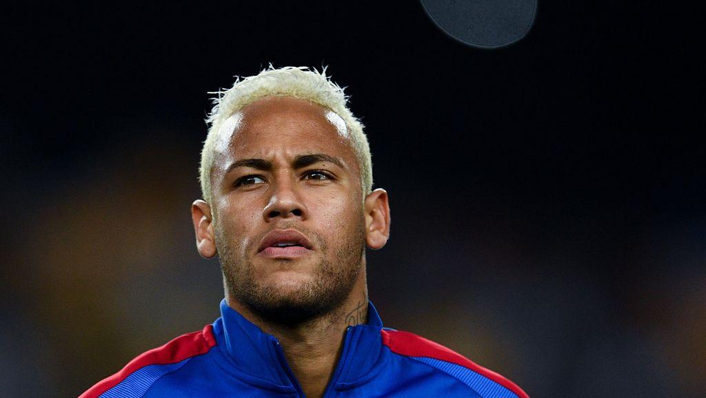 Gaya Main Kerap Dikritik, Neymar Tetap Takkan Mengubahnya