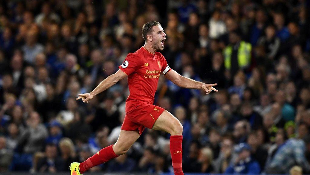 Liverpool Tundukkan Chelsea 2-1