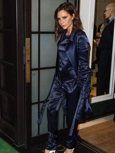 Victoria Beckham Menyesal Pernah Memperharui Payudara