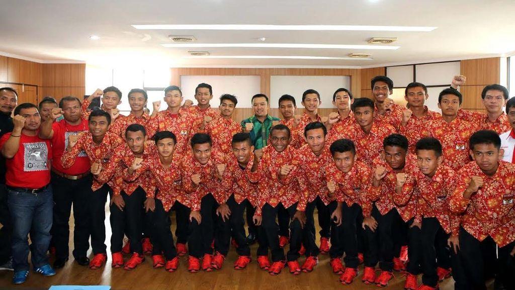Menpora Lepas Timnas U-15 ke Malaysia