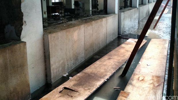Beberapa ruang di Balai Kota DKI terendam banjir (Danu Damarjati/detikcom)