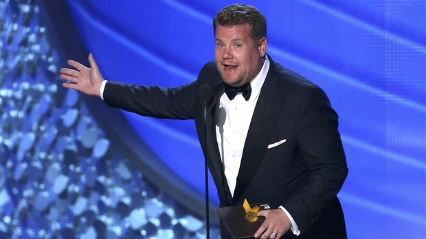 James Corden akan memandu Grammy Awards 2017.