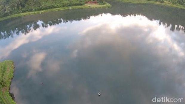 Inilah pemandangan Situ Cisanti (Okta/detikTravel)