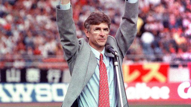 Arsene Wenger mendapat rekomendasi dari Gerard Houllier menjadi manajer Arsenal.