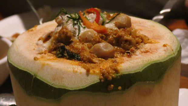 Hor Mok, kari seafood dalam buah kelapa (Fitraya/detikTravel)