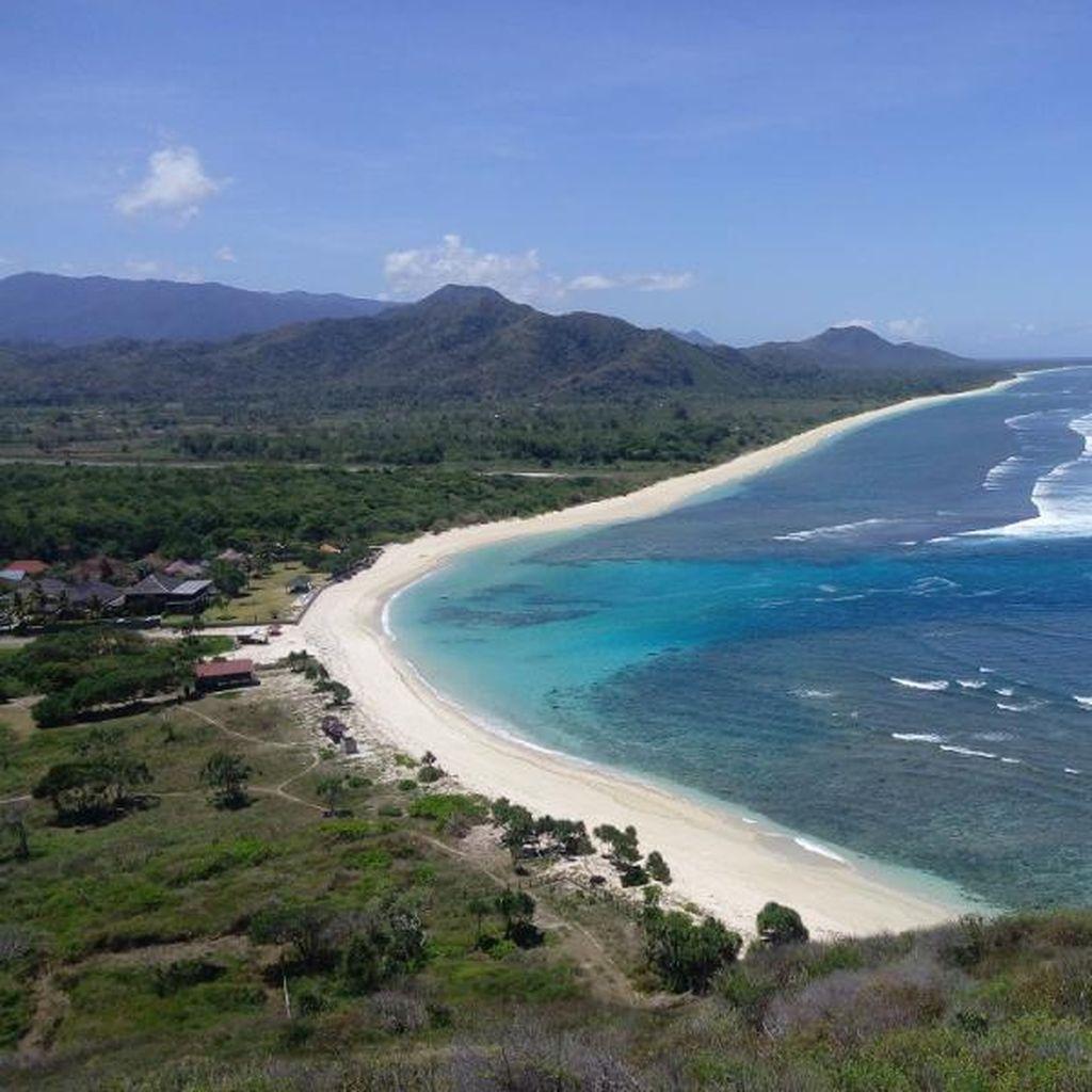 Asyiknya Berwisata ke Pantai Tirtamaya Indramayu