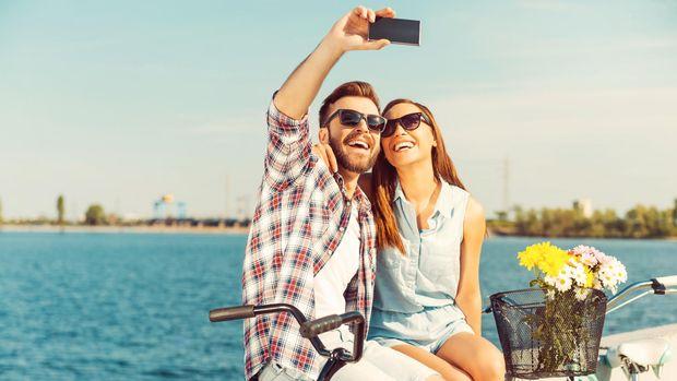 Wahai Lelaki, Mengapa Kalian Selfie?