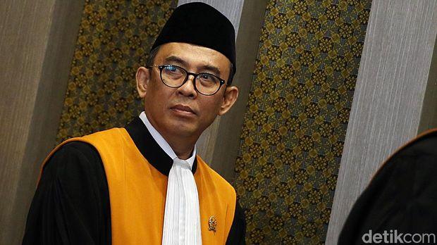 Hakim agung Salman Luthan (ari/detikcom)