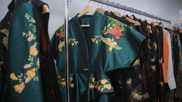 Koleksi Sean & Sheila, desainer Indonesia di Paris Fashion Week. (Dok. Vickar Adam)
