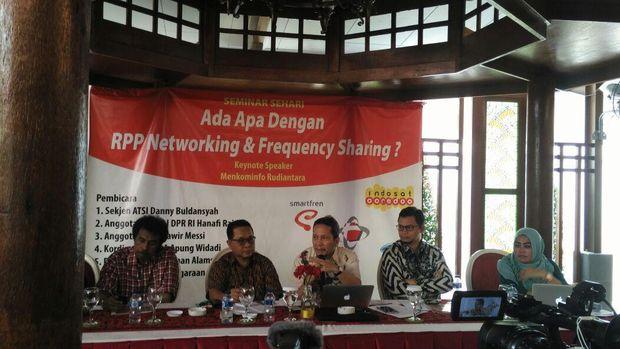 Debat Alot Revisi PP 52 dan 53 Tentang Network Sharing