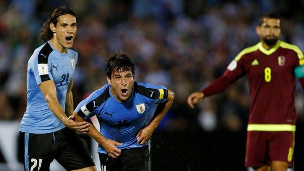 Cavani Dua Gol, Uruguay Hantam Venezuela 3-0