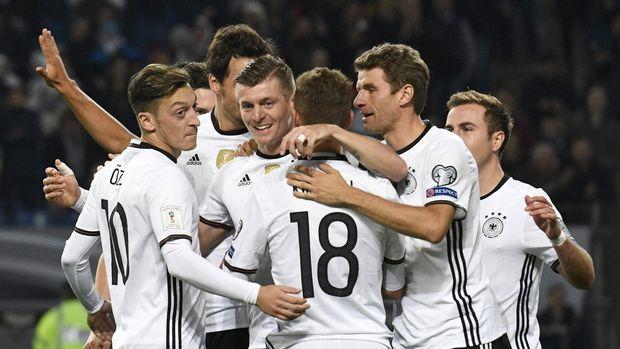 Timnas Jerman yang menempati peringkat pertama dalam daftar FIFA masuk dalam unggulan utama Piala Dunia 2018.