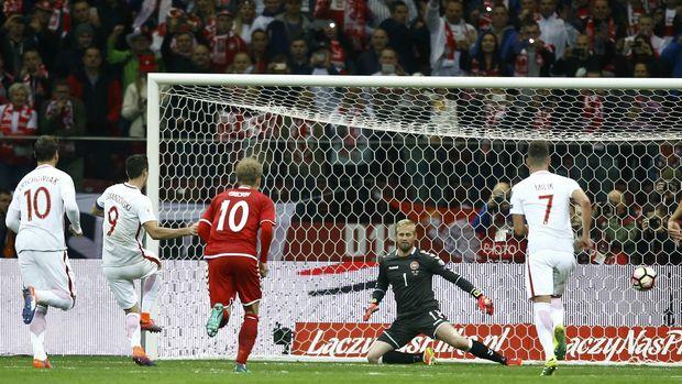 Hattrick Lewandowski Antar Polandia Menang 3-2 Atas Denmark