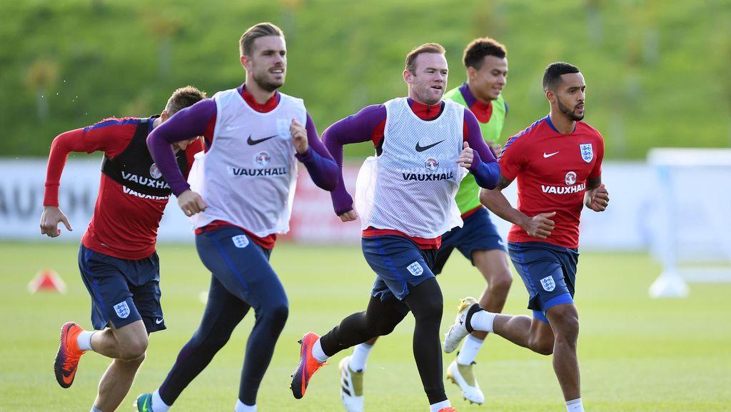 Henderson: Rooney Tetap Pemimpin Kami