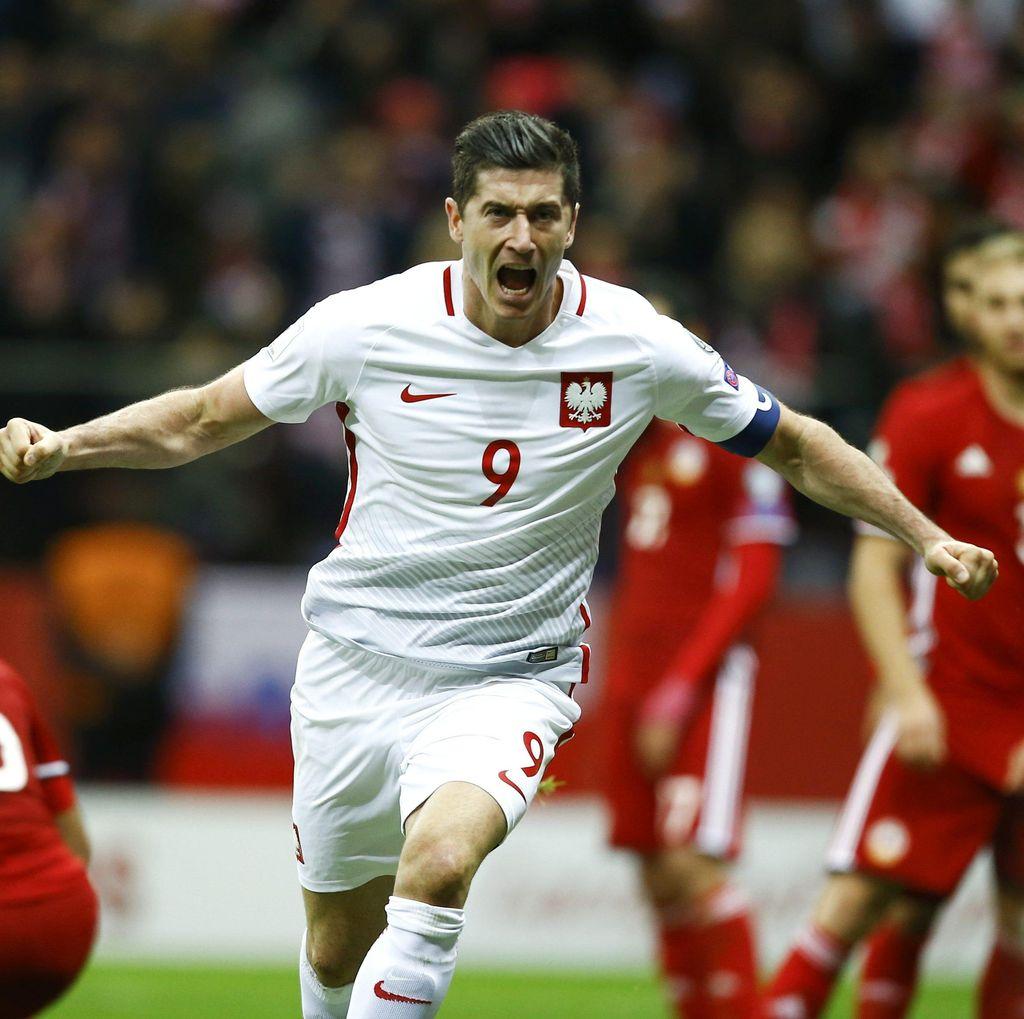 Gol Lewandowski di Detik-Detik Akhir Menangkan Polandia