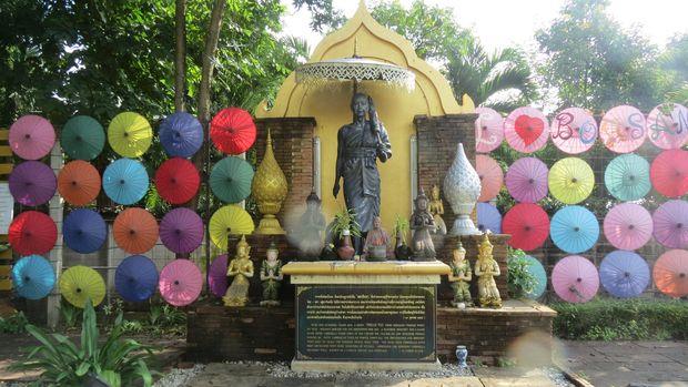 Bhiksu Pre Khru In Tha, pendiri payung hias Borsang (Fitraya/detikTravel)