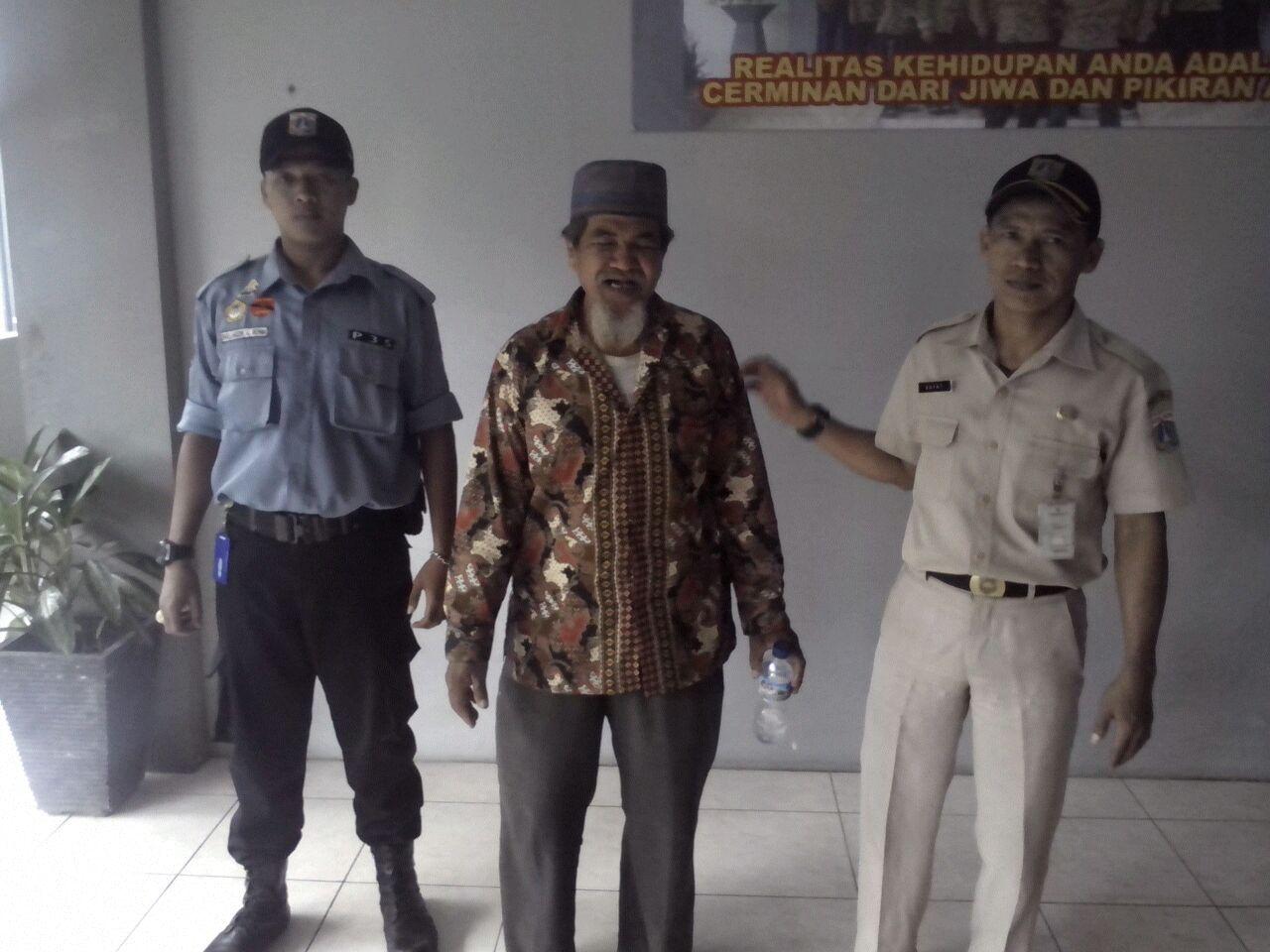 Pengemis Muklis (64) yang ditangkap Dinsos Jaksel di Kebayoran Baru